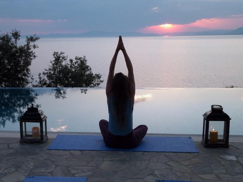 Vinyasa yoga in a beautiful seafront private estate with Anna Davies